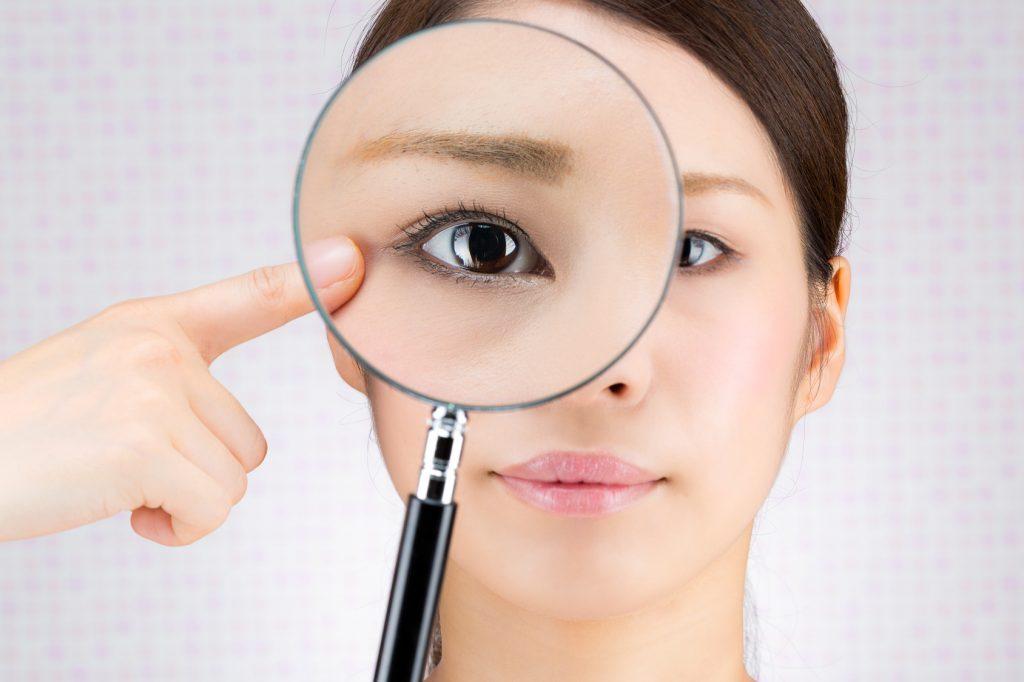 目のむくみや腫れの原因