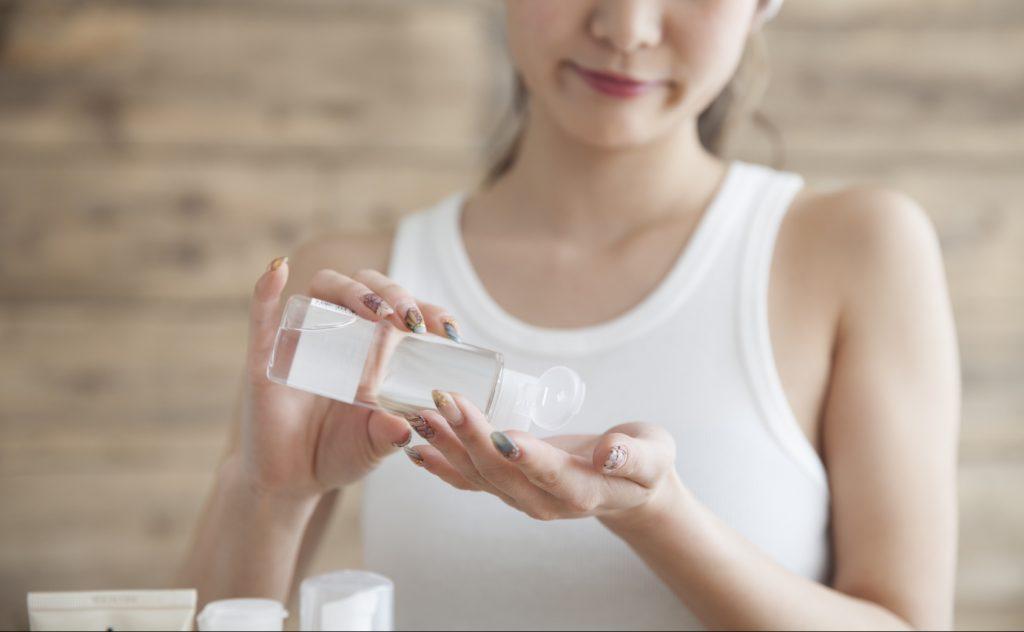 化粧水で角栓を柔らかく