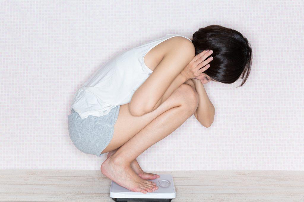 過剰なダイエットが肌荒れの原因