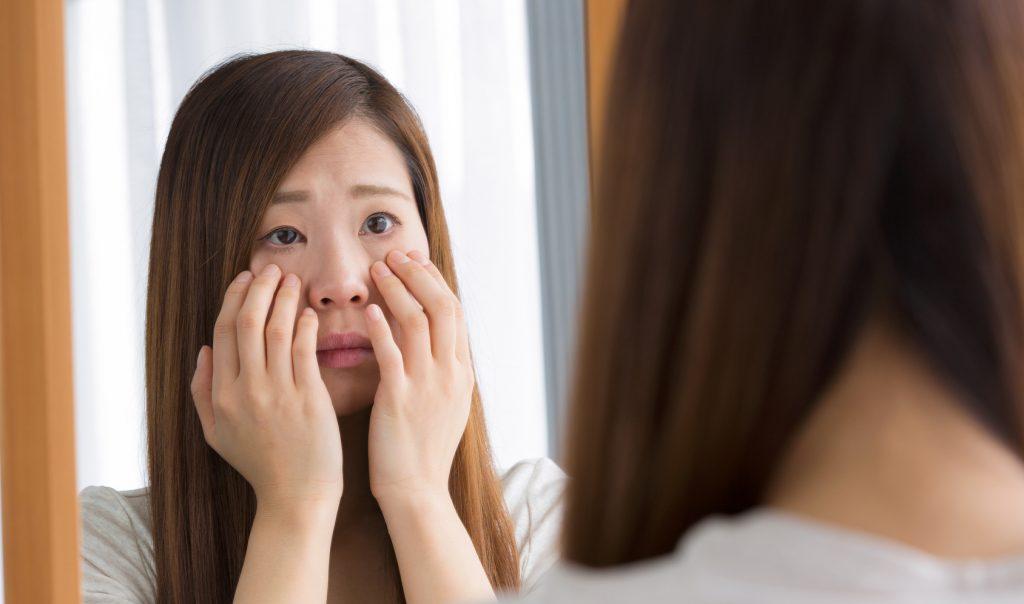 目元の洗顔がシワ原因