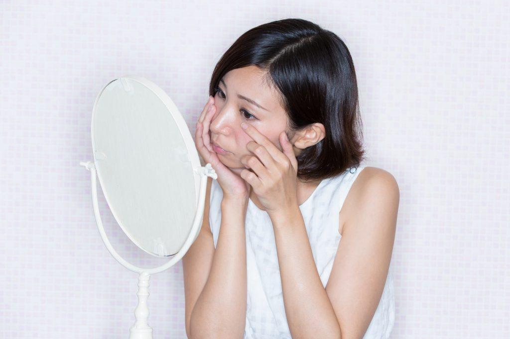 ニキビ悪化の原因はコンシーラー