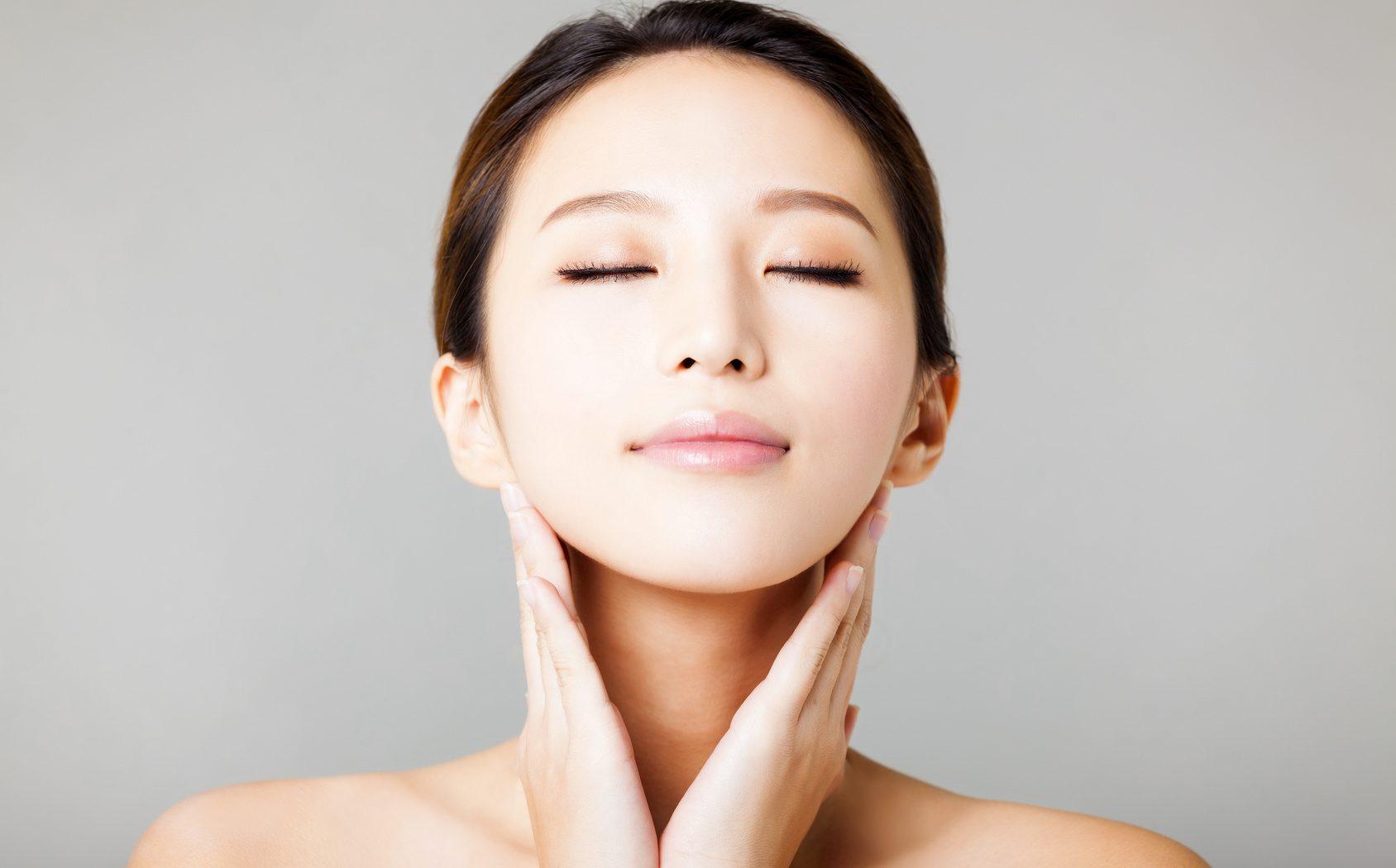 美白化粧品でメラニンを減らす