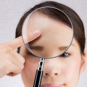 顔のテカリを抑える方法